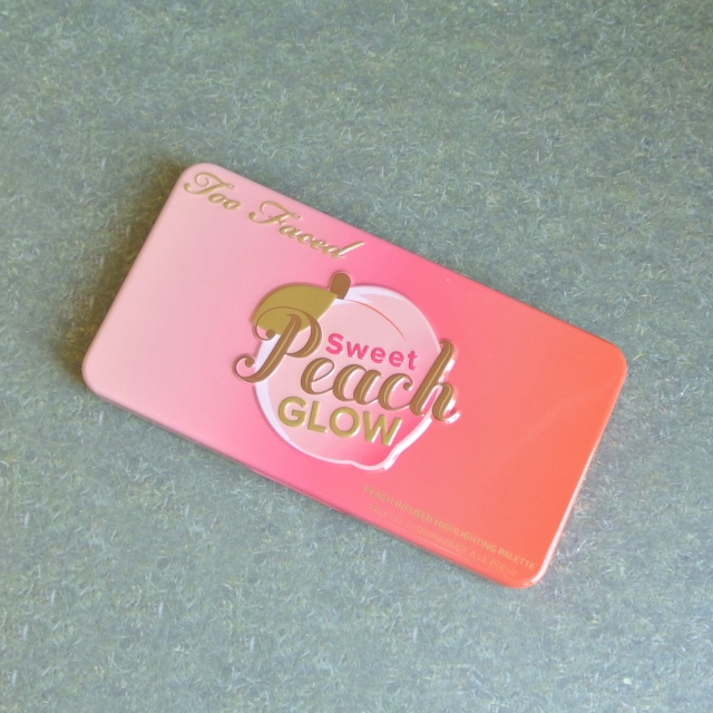 too_faced_sweet_peach_glow_kit_4